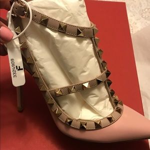 Authentic Valentino Pumps